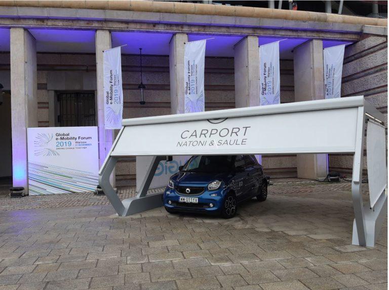 Ładowarka jako element carport